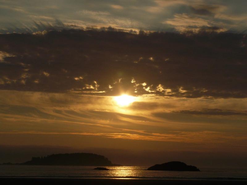 Sonnenuntergang am Strand von Tofino