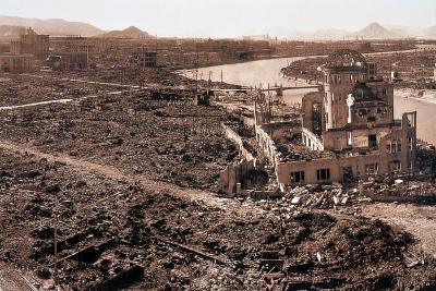 Hiroshima nach der Explosion der Atombombe