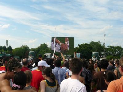 Beim Public Viewing des Euro2008 Finales