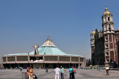 Die neue und alte Basilika von Guadalupe