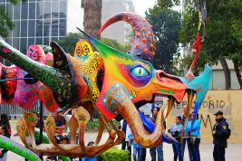 Alebrije monumental in Parade 2014